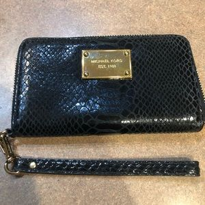Michael Kors wallet, like new!
